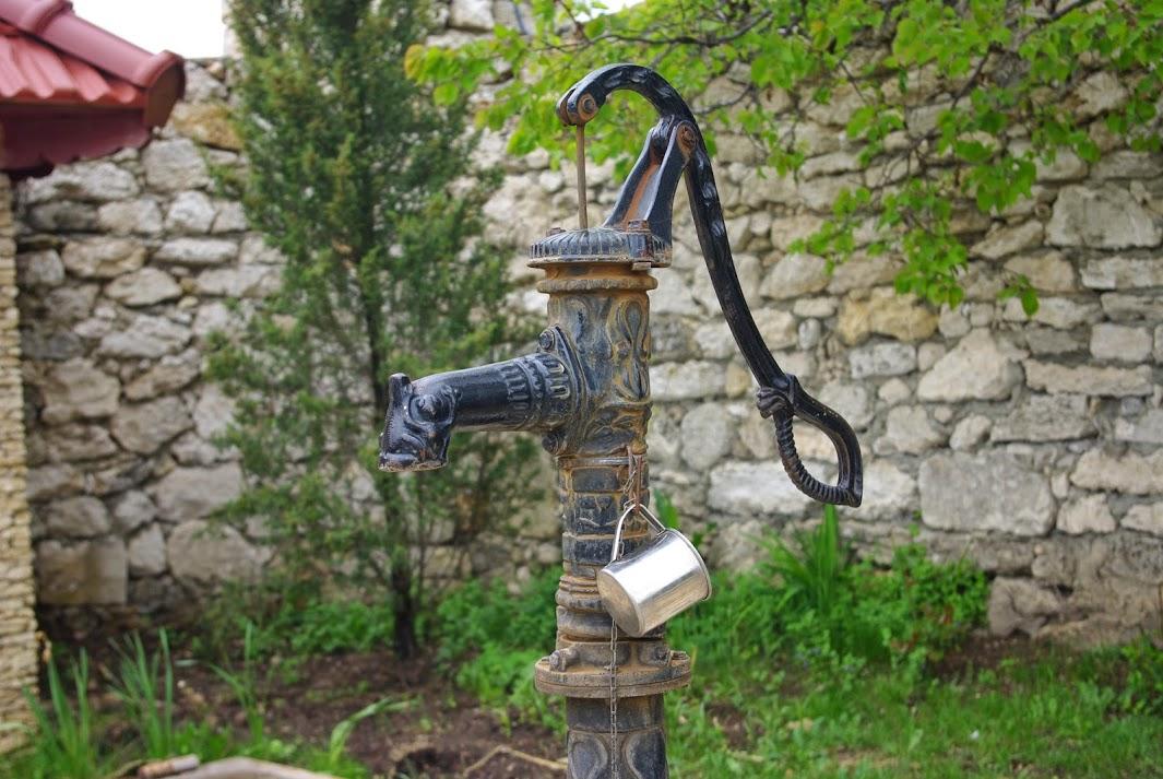 уличные краны для воды фото самый популярный материал