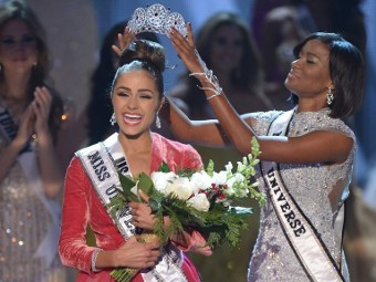 Оливия Карло, Мисс Вселенная 2012