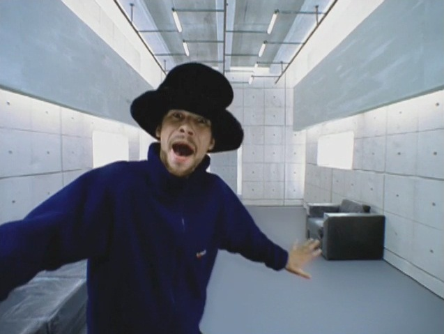 73 Quot Virtual Insanity Quot Jamiroquai I Pick Things Up