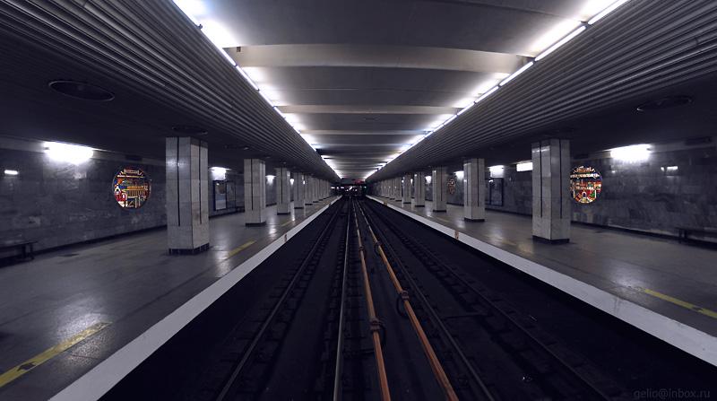 """Станция  """"Речной вокзал """".  Новосибирский метрополитен.  Ленинская линия.  Открыта 28 декабря 1985 года."""