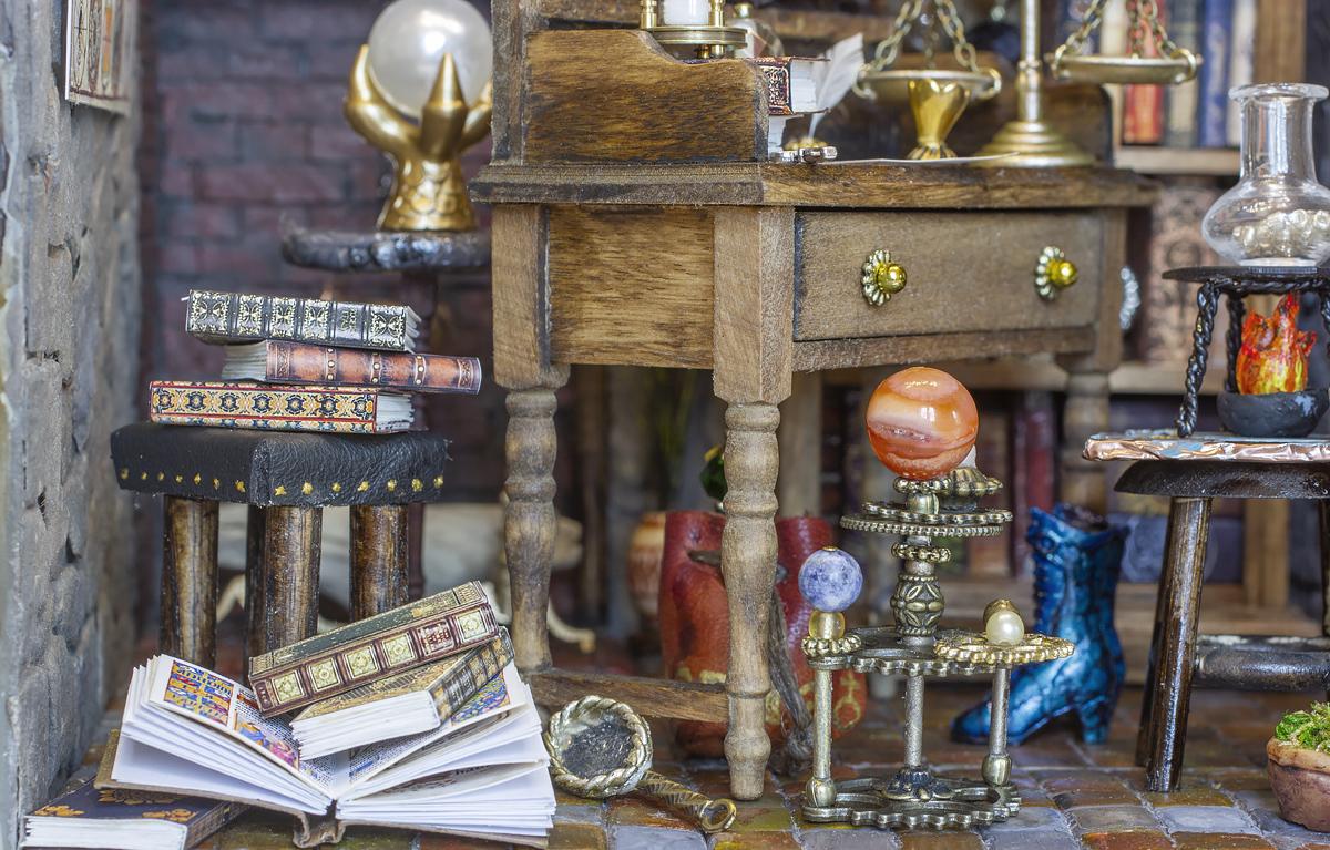 alchemist_room9.jpg