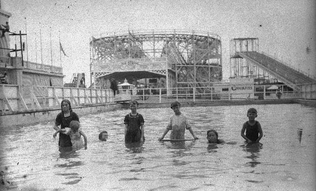 Wonderland-OceanBeach-CA-Pool&Coaster63[1]