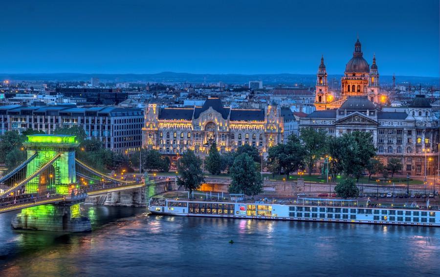 Budapest_evening.jpg