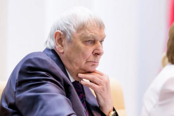 Главный педиатр Минздрава выступил за обязательную вакцинацию детей и взрослых