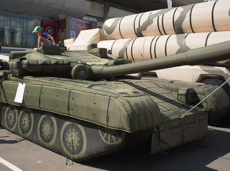 Резиновый танк
