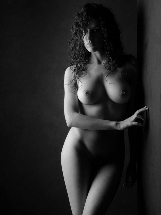 Черно белое фото голой жены, фото девиант кейт порноактер