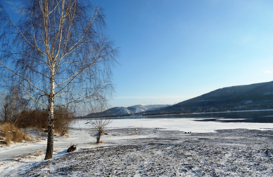Фото Николай Юрлов На бреге Енисея