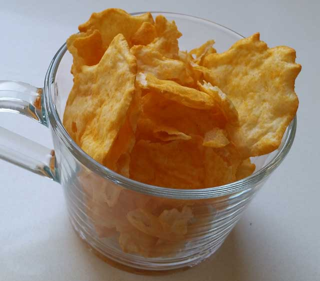 quest-chips-cheese-3.jpg