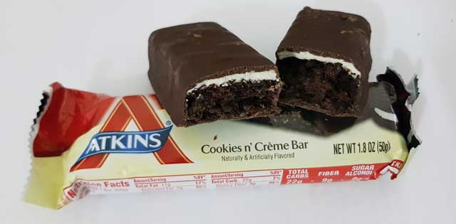 atkins-cookies-cream-4.jpg
