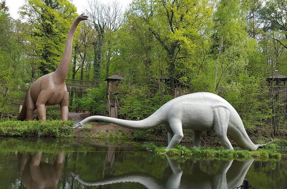 Диплодок и брахиозавр