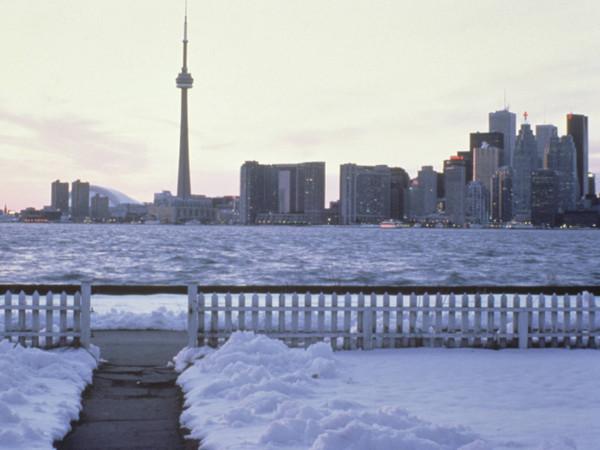 Toronto_skyline_in_winter