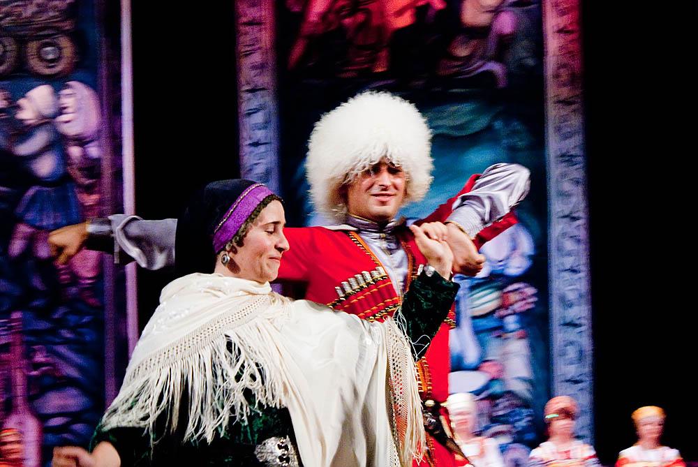 Национальный чеченский костюм: мужской, женский, свадебный