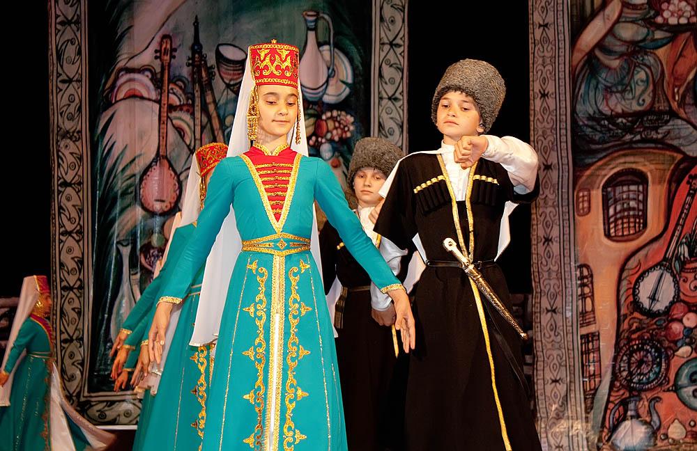Чеченский национальный костюм (50 фото женские, ские
