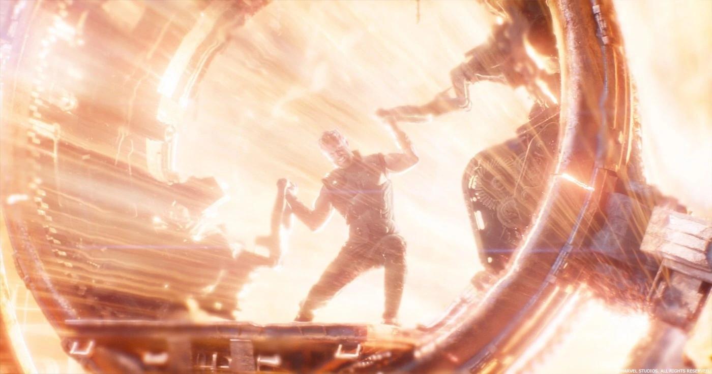 Тор пропускает через себя свет нейтронной зведы создаёт супероружие - Гром-секиру...
