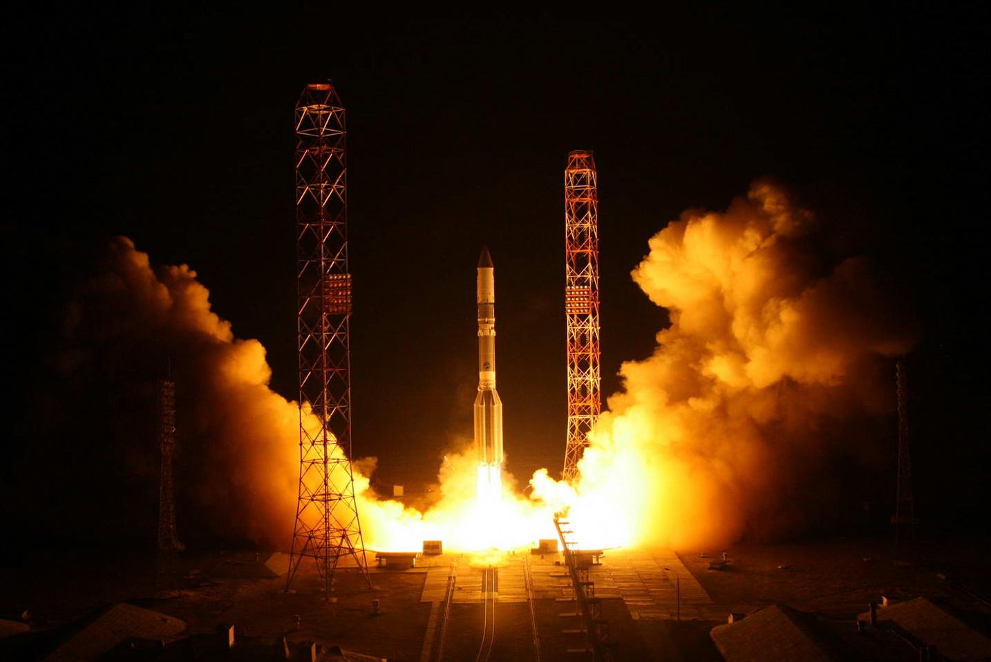 """ночной запуск РН """"Протон-М"""""""