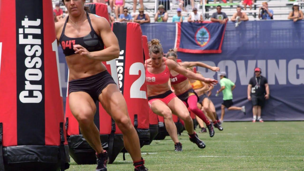 женщины в кроссфите не менее атлетичны