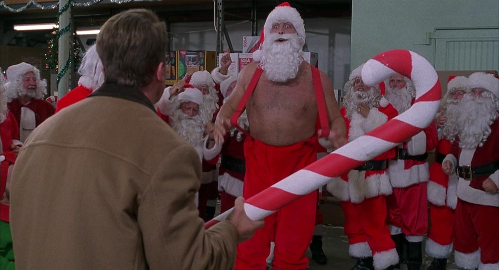 Рождественский Шварценеггер против новогоднего Баниониса