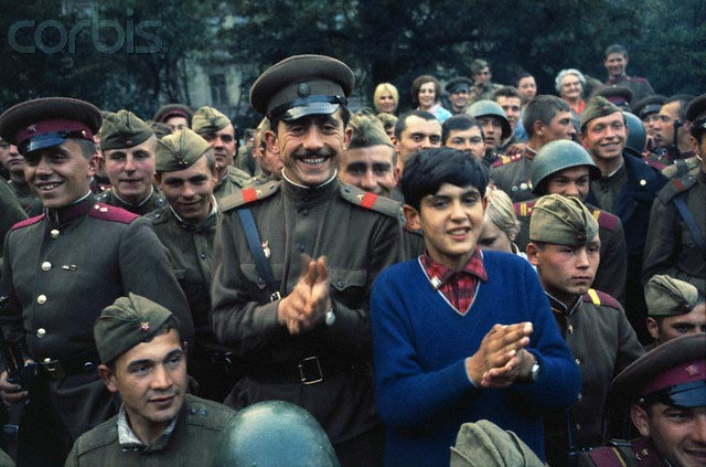 Советские солдаты в Праге, 1968 г.
