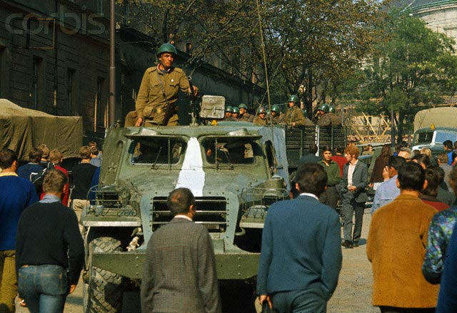 Советская техника на улицах Праги, 1968 г.