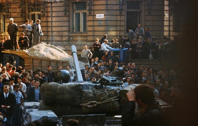 Пражане и русские танки, 1968 г.