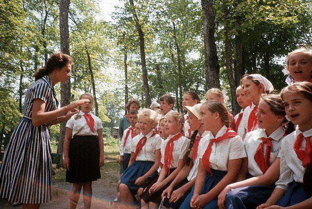 Детский секс в пионерском лагер