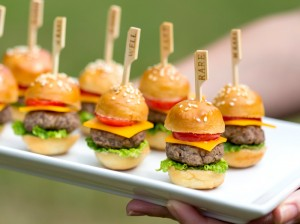 party-food-mini-cheeseburgers-pizzazzerie-6.jpg