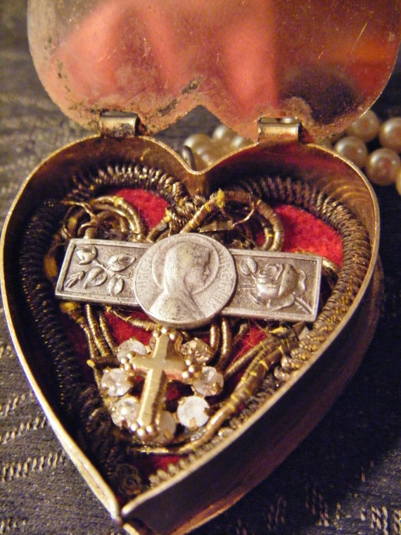Religious reliquary necklace heart locket faux by madonnaenchanted