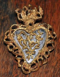 Christian Lacroix heart brooch Noël 97