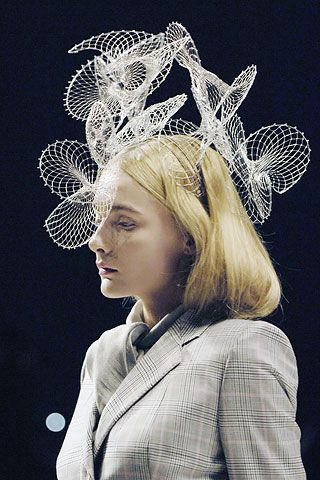 Alexander McQueen SpringSummer 2008 Ready-To-Wear