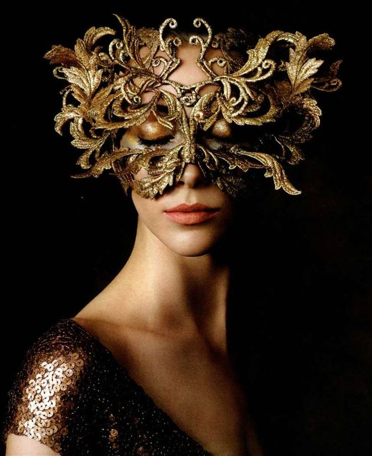 Philip Treacy Mask photographed by Victor Demarchelier for Harper's Bazaar USA October 2013.