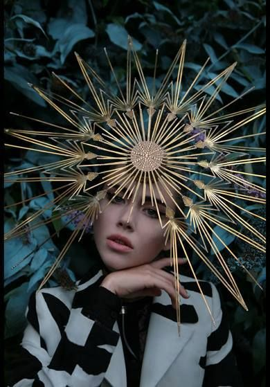 Pour la Tête ⍙ hats, couture headpieces and head art - Philip Treacy, photoghraphed by Kurtiss Lloyd