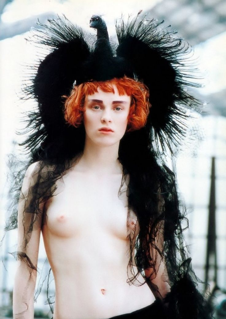 Karen Elson by Peter Lindbergh _ Vogue Italia, September 1997 (Headdress by Philip Treacy for Chanel Haute Couture, 1997)