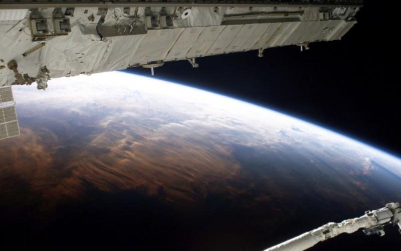 Planet_zemlya_so_sputnika-600x375