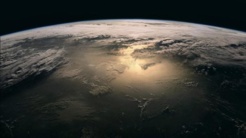 Planeta_zemlya_oblaka-600x337