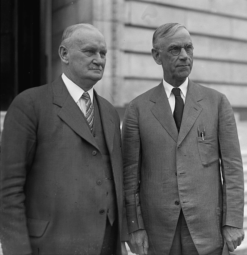 800px-Smoot_and_Hawley_standing_together_April_11_1929