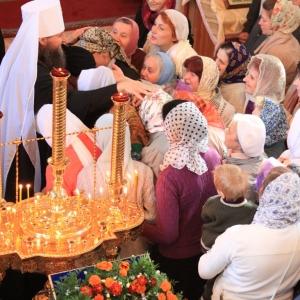 Владыка с верующими