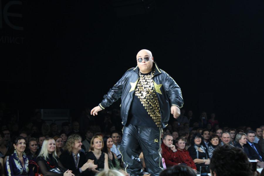 Репер Доминик Джокер на показе одежды ULTRA на выставке