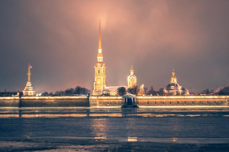 Петропавловская крепость с Дворцовой набережной