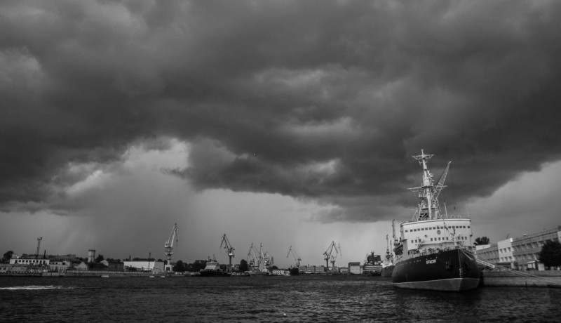 Гроза над ледоколом «Красин»
