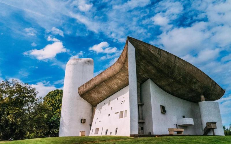 Роншаннская часовня, архитектор Ле Корбюзье