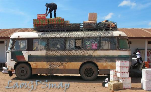 renault-bus-Lao-Bao
