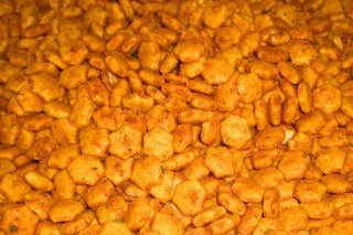 Curry-Spiced Oyster Crackers