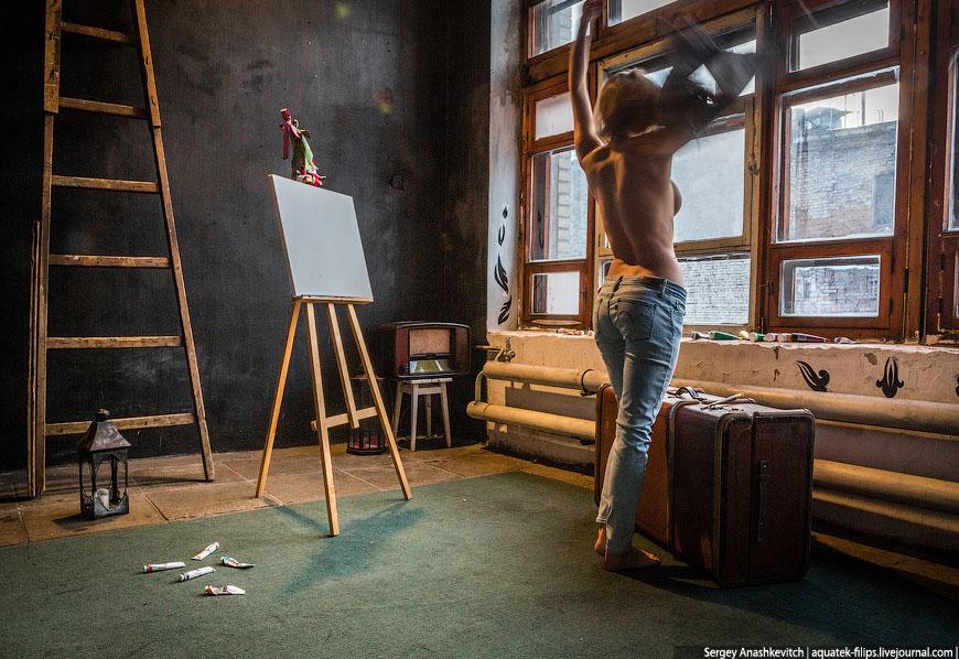 Обнаженная живопись: как пишут картины грудью