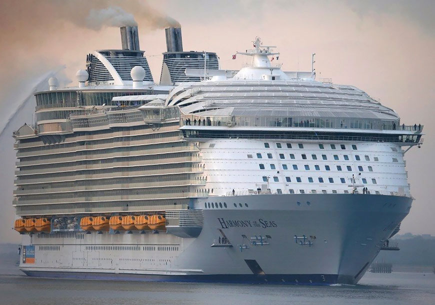 Harmony of The Seas - самый большой лайнер в мировом круизном флоте