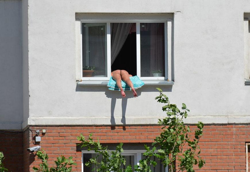 голоя в окно фото