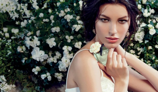Dolce-Dolce-and-Gabbana-new-perfume-advertising-campaign-featuring-model-Kate-King-1124x660-cover