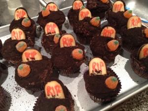 Creepy Graveyard Cupcakes