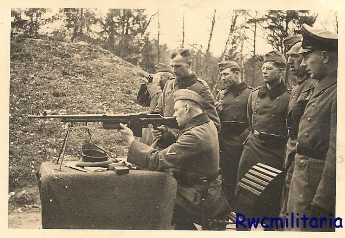 Трофейное стрелковое оружие в Третьем Рейхе.