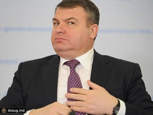 -quot-Izvestiya-quot--nashli-v-dele--quot-Oboronservisa-quot--pokazaniya-na-Serdyukova