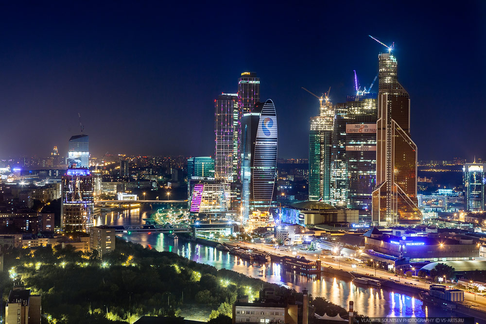 http://ic.pics.livejournal.com/gmichailov/34987738/3016353/3016353_1000.jpg